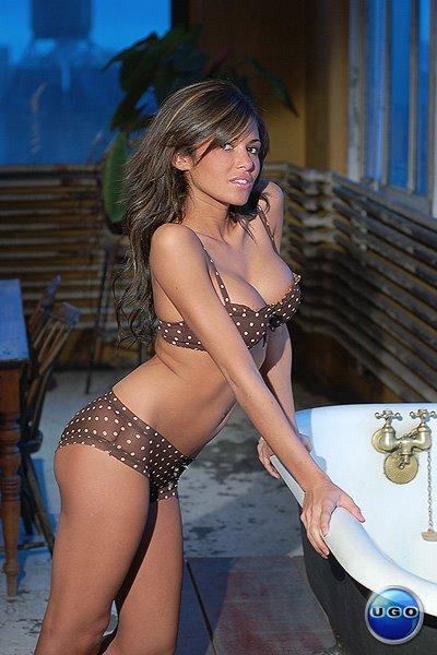 leigh bikini Laura