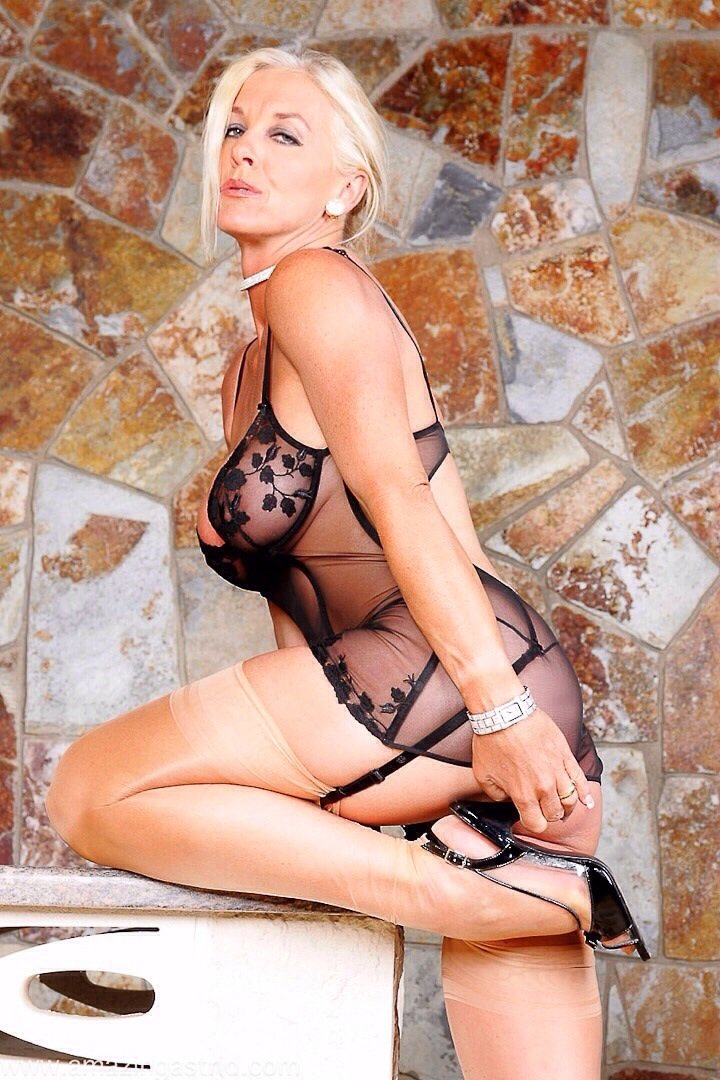 mature-pics-busty-milf-sex-and-pron