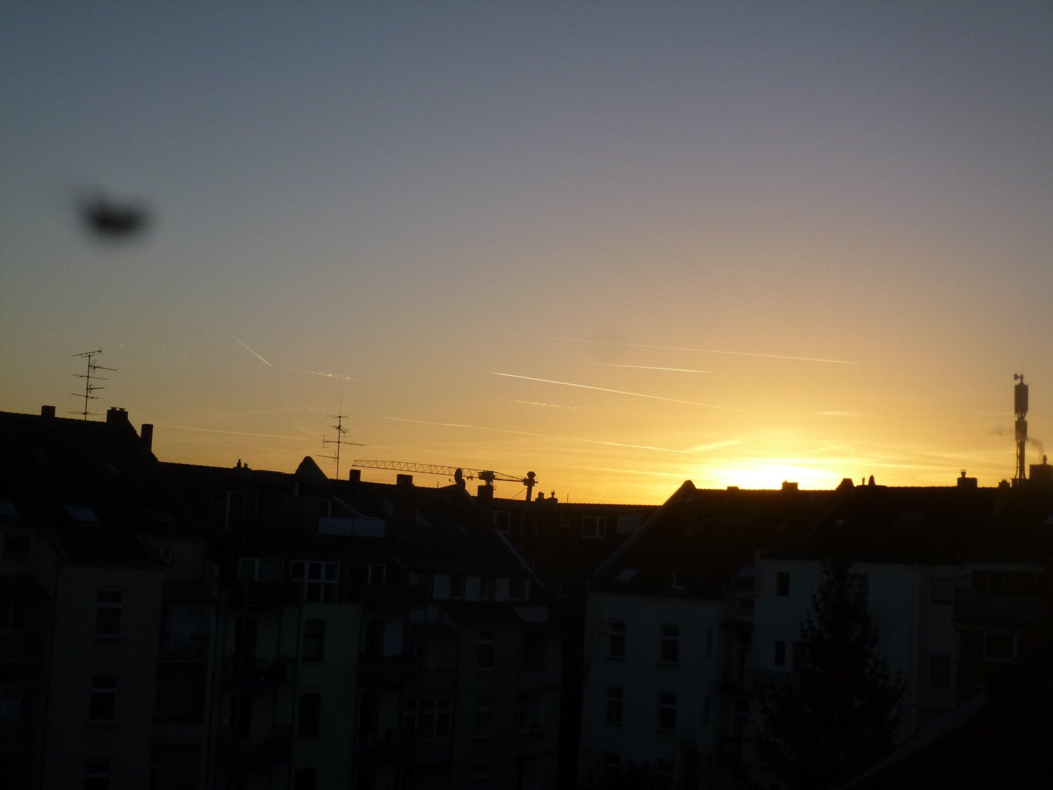 Flieger in den Sonnenuntergang