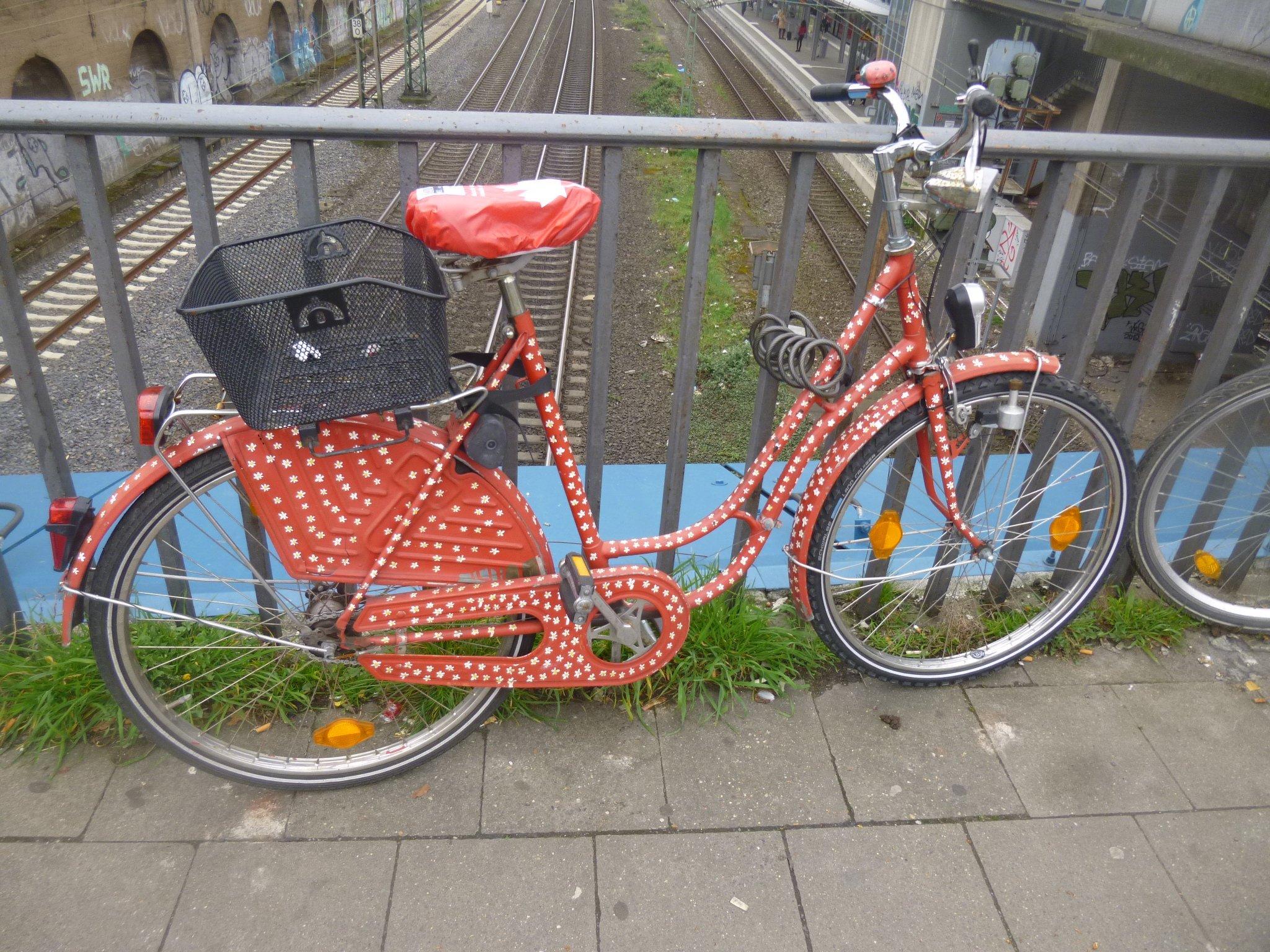 rot-weisses Fahrrad